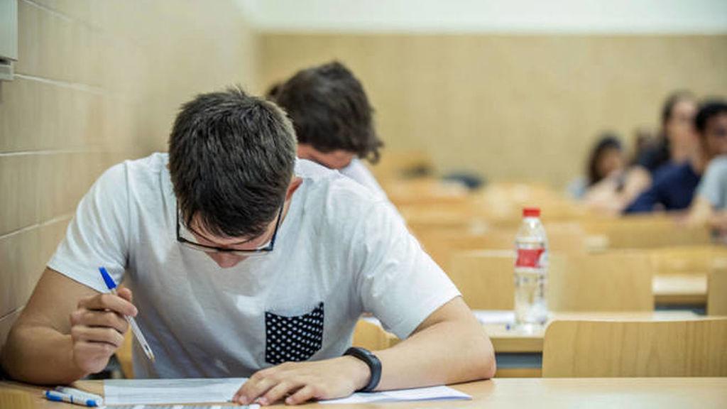 Frente de estudiantes revalidas 4 ESO