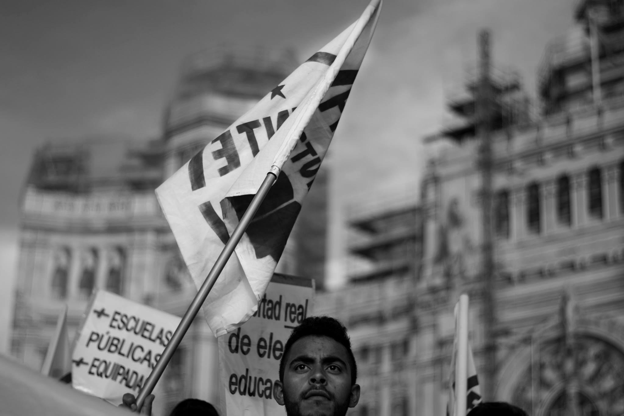 Manifestación Estudiantes FdE Frente Becas