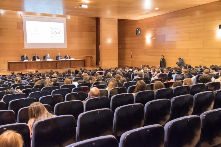 Escándalo en la Universidad de Salamanca: las charlas sobre prostitución se convierten en un seminario obligatorio con catedráticos de Derecho Penal