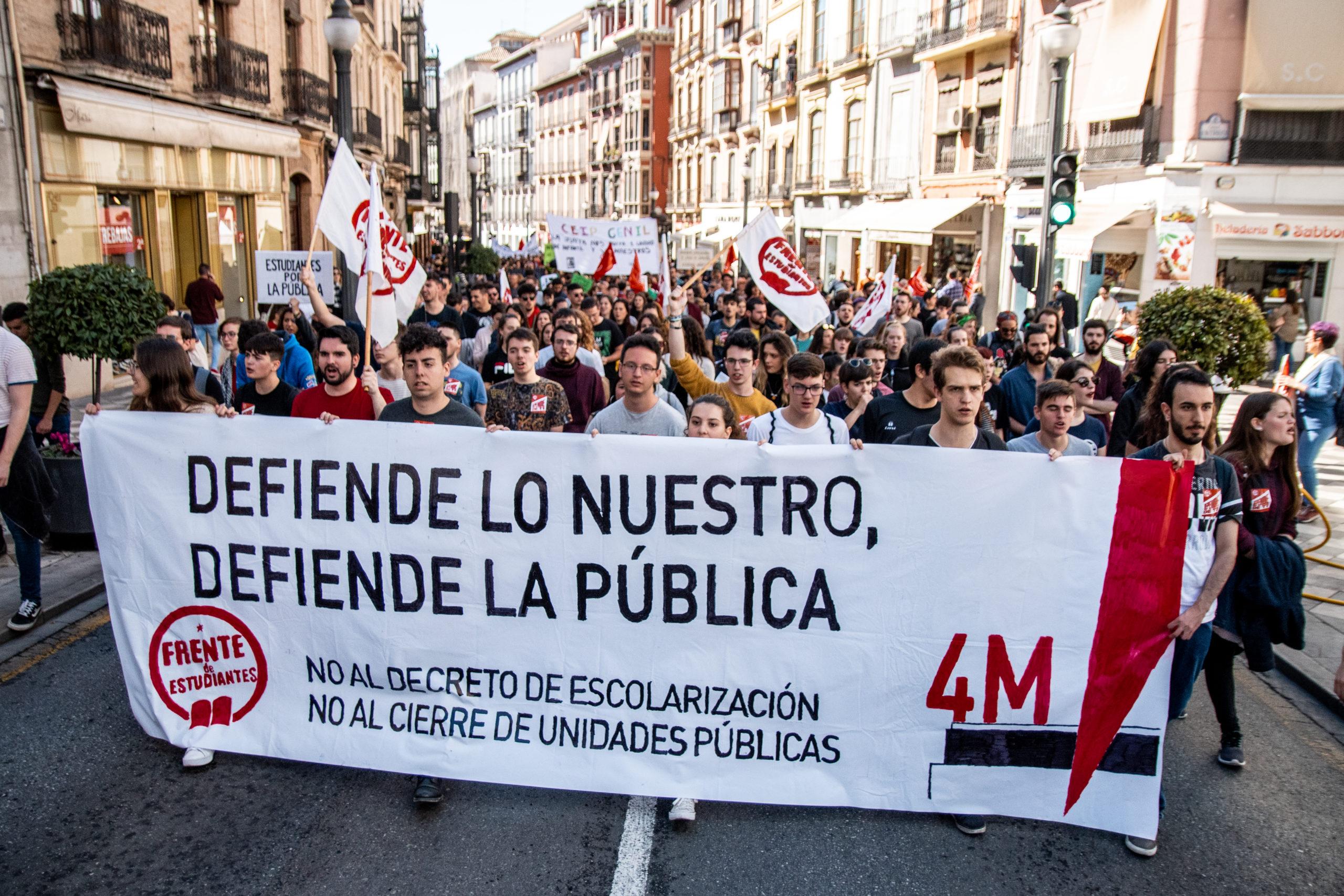 Huelga Pin Parental Sindicato de Estudiantes